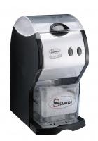 Drvený ľad je dôležitý na prípravu rôznych miešaných nápojov, podávanie alkoholických a nealko drinkov, koktejlov a tiež pre niektoré pokrmy. Vysoko výkonný model drviča ľadu s elegantným vzhľadom s objemom 1,5 kg ľadových kociek. V priebehu 30 sekúnd je schopný spracovať celý objem zásobníka 1,5 l. Zásobník je podsvietený, čo mu dodáva elegantný vzhľad. Zásobník ľadu má dvojitú izolačnú vrstvu s mriežkou na oddelenie ľadu a vody. Farebné prevedenia - modrá, žltá, červená a nerez. Elektronické ovládanie dvoch hrúbok ľadovej drte pomocou štyroch pomaly sa otáčajúcich nožov. Výkon 160-300 kg/hod. Všetky odnímateľné časti je možné umývať v umývačke riadu.